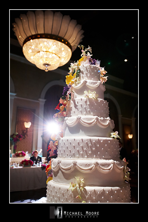 beautiful wedding cake, liberty grand, toronto